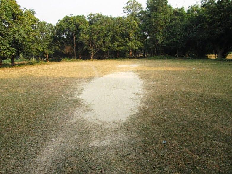 गाँव में क्रिकेट का खेल का मैदान